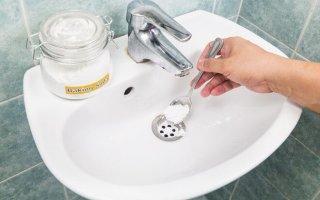 Как устранить засор содой и уксусом?