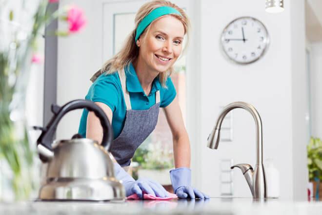 Хозяйка отмыла до блеска чайник