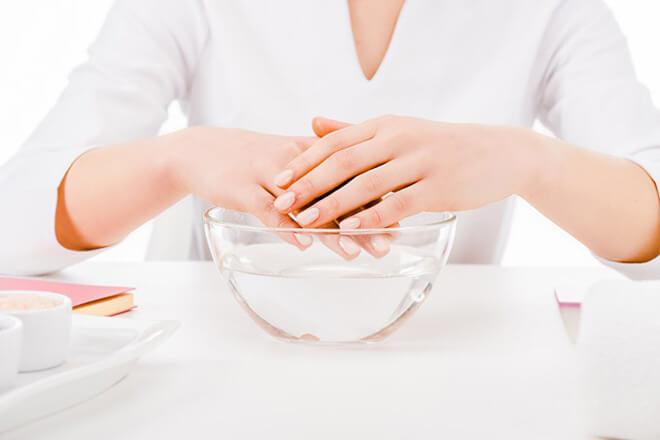 Процедуры с пищевой содой для рук и ногтей
